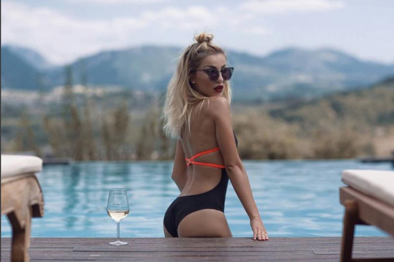 auto_Roza_Lati_sexy_kryesore1475856965