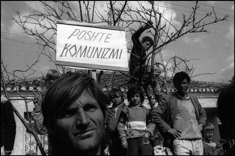ALBANIA. Tirana.  Elections campaign of the Democratic party. 1992.