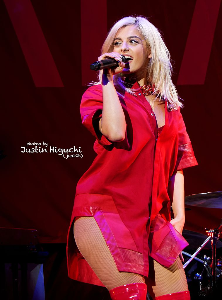 Bebe_Rexha_live_at_Staples_Center,_Los_Angeles_16