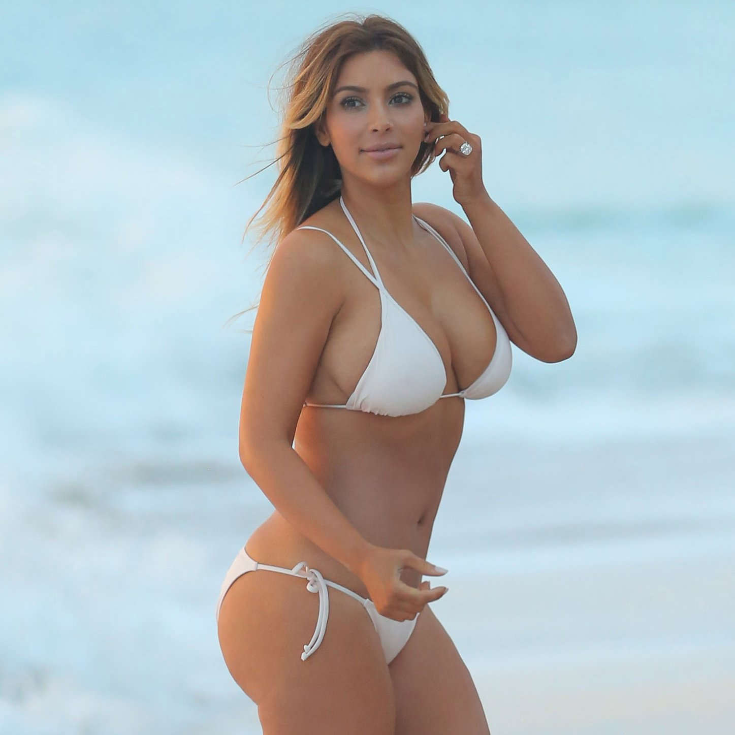 Kim-Kardashian-White-Bikini-Pictures-After-Baby