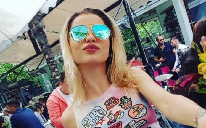 auto_roza-lati_11522586007-696x432