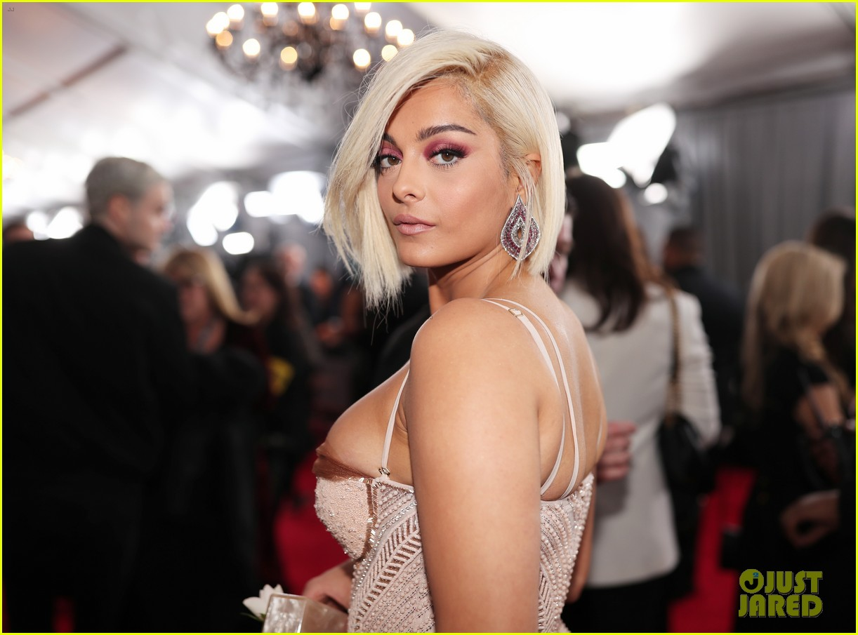 bebe-rexha-grammys-2018-red-carpet-07