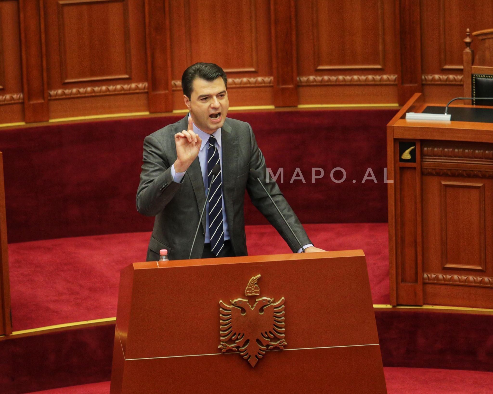 New York Times: Lideri i opozitës shqiptare gjobitet për shpifje ndaj kundërshtarit
