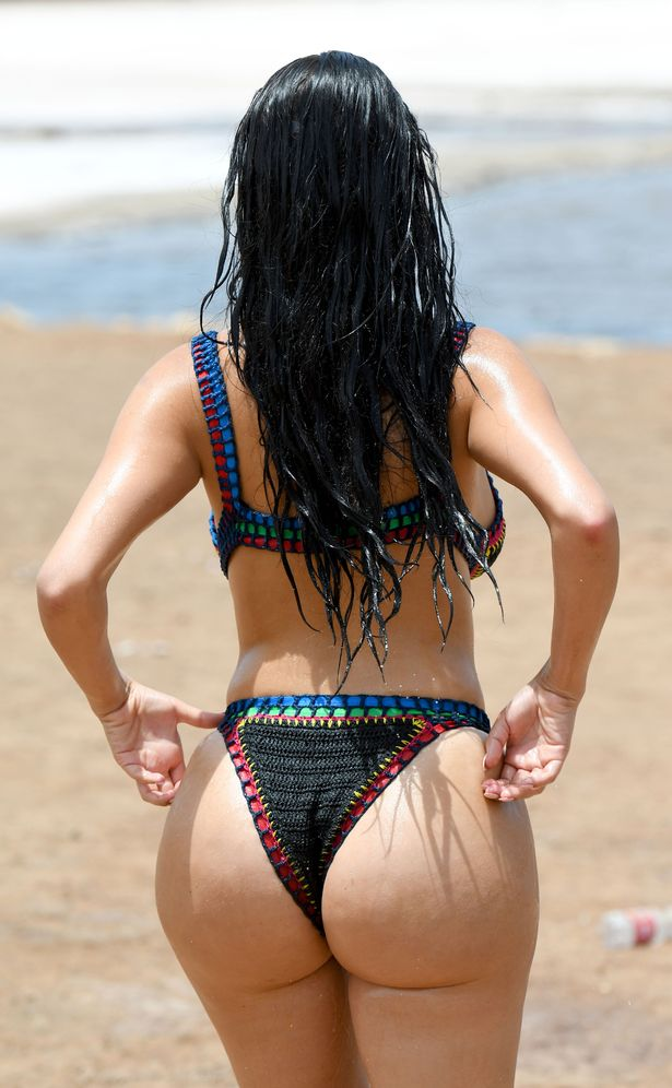 PAY-DEMI-ROSE-MAWBY-SHOWS-OFF-HER-DIRTY-SIDE-IN-CAPE-VERDE