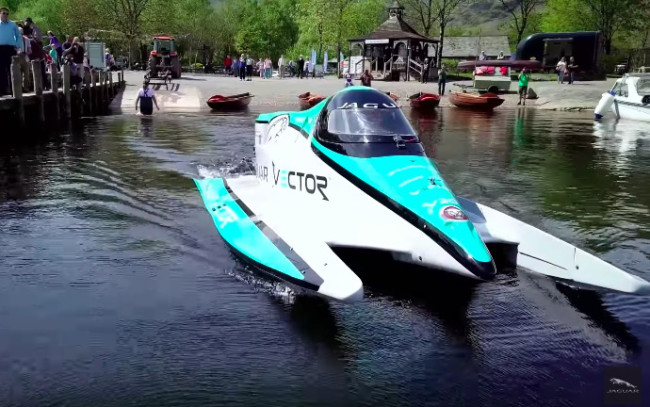 jaguar-electric-water-speed-record-boat
