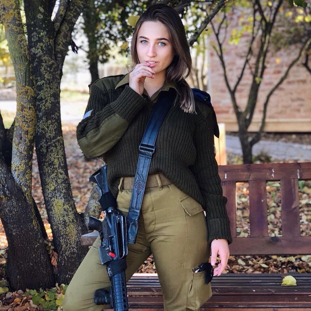 girlsdefense_21_7_2018_20_29_44_233