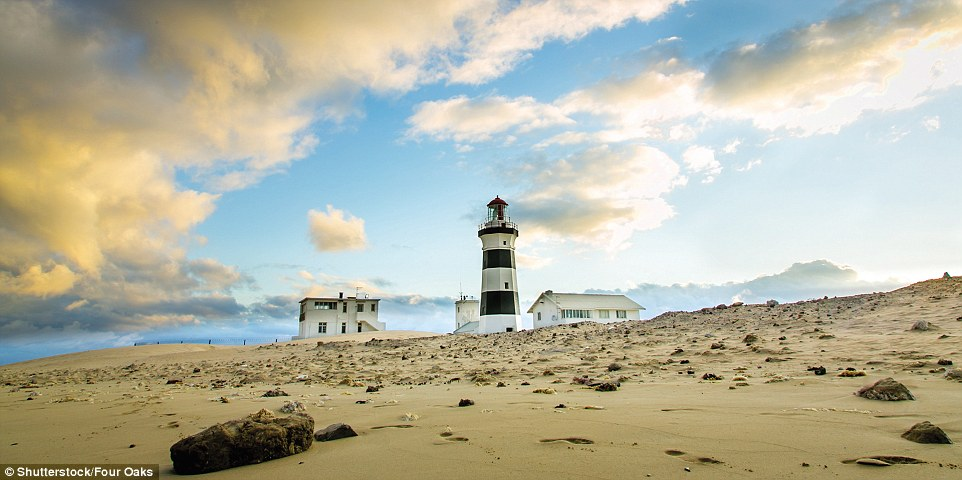 4F1C581100000578-6063647-Since_1851_Cape_Recife_Lighthouse_in_Port_Elizabeth_South_Africa-a-166_1534348288548