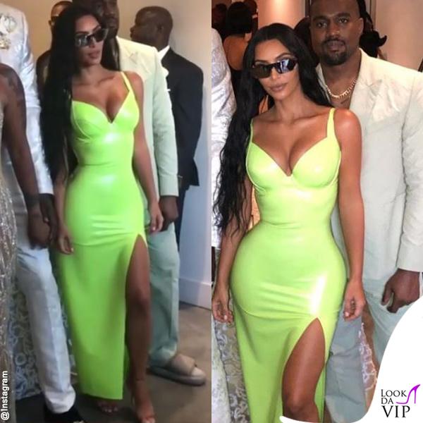 Kim-Kardashian-abito-atsuko-kudo-scarpe-Gianvito-Rossi-Kanye-West-abito-Louis-Vuitton-ciabatte-Yeezy-3