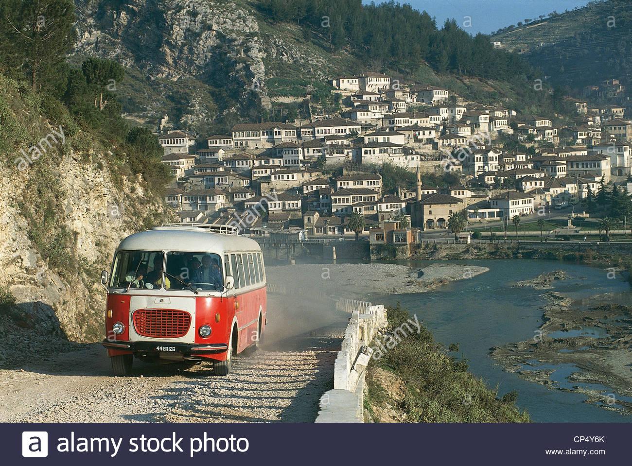 albania-berat-berat-bus-cp4y6k
