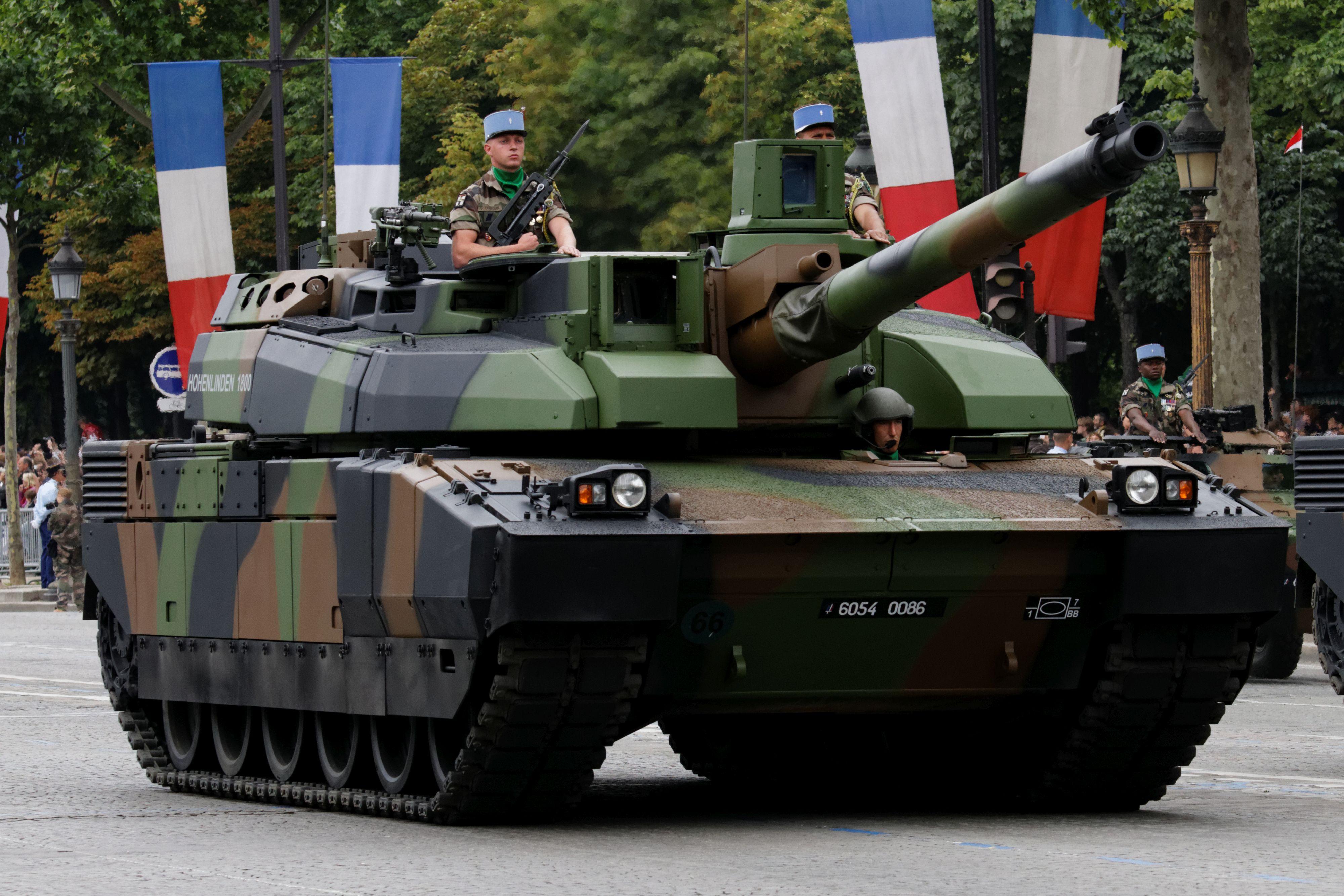 military-amx-leclerc-1069