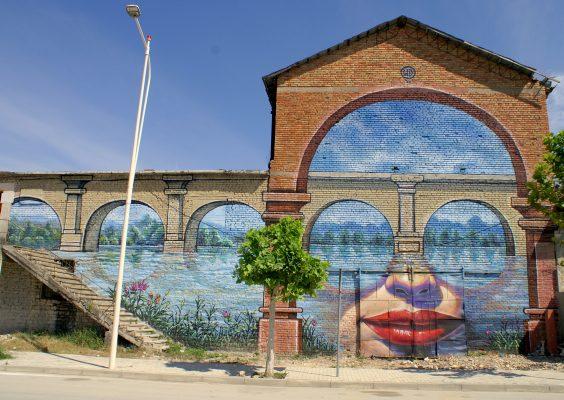 Piktura-murale-ne-Uren-Vajgurore-564x400