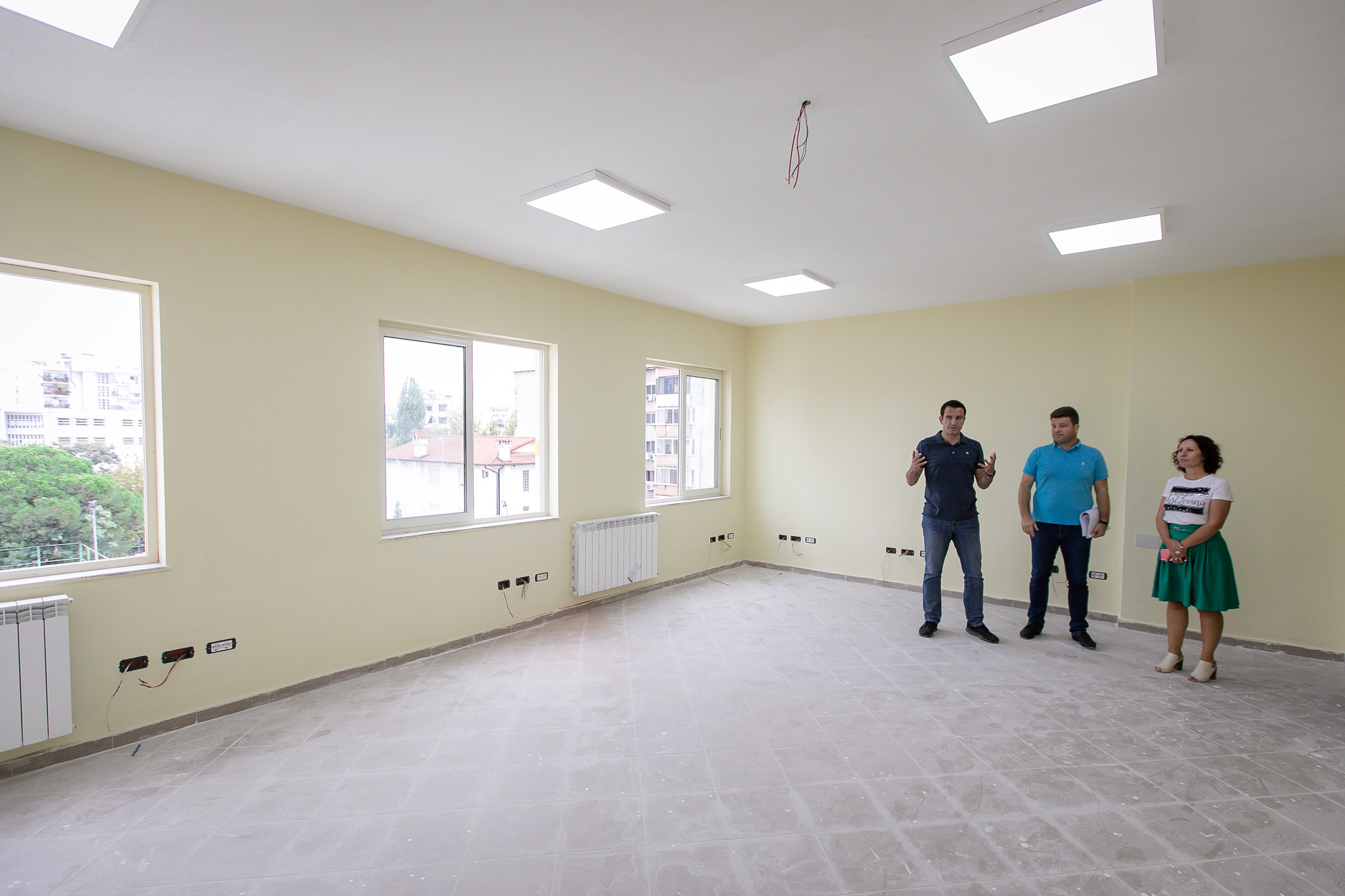 Veliaj gjate inspektimit te rikonstruksionit te shkolles Ismail Qemali (4)