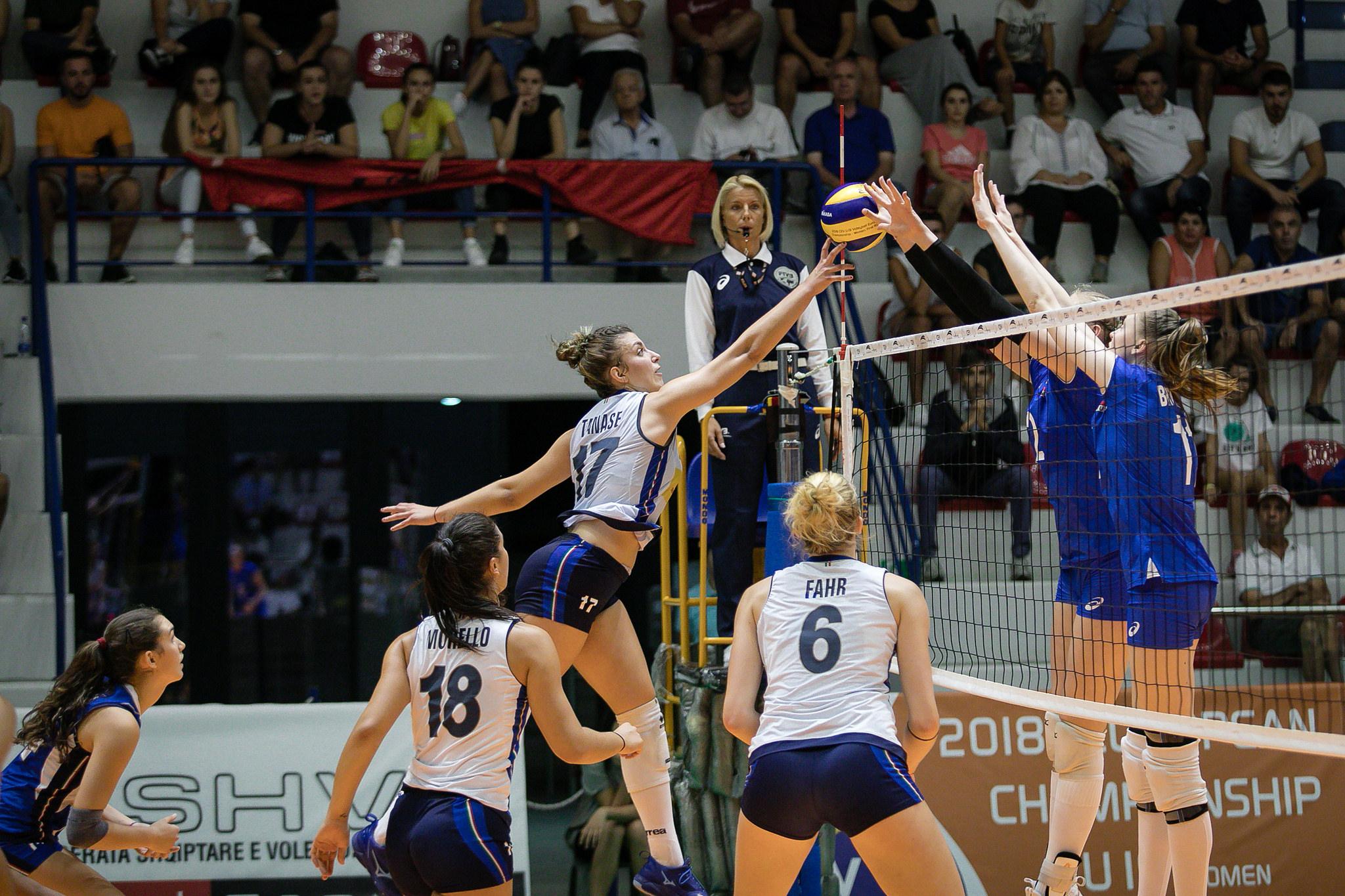 Veliaj ne finalen e kampionatit evropian te volejbollit per femra (6)