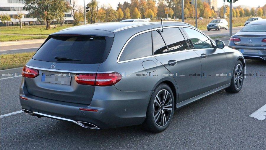 auto_2020-mercedes-e-class-spied_61539705537