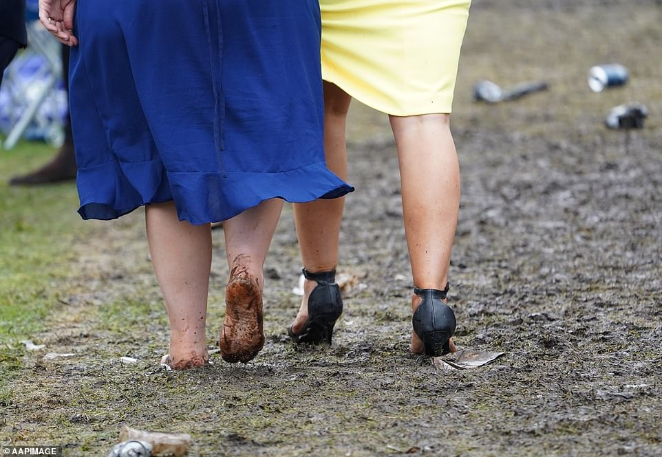 5821844-6357507-One_brave_woman_walked_barefoot_through_the_mud_as_her_friends_h-a-39_1541497322152
