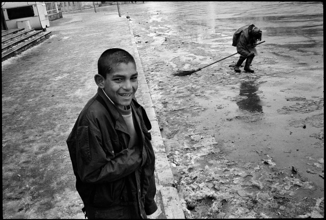 ALBANIA. Korce. 1994. A gypsy boy.
