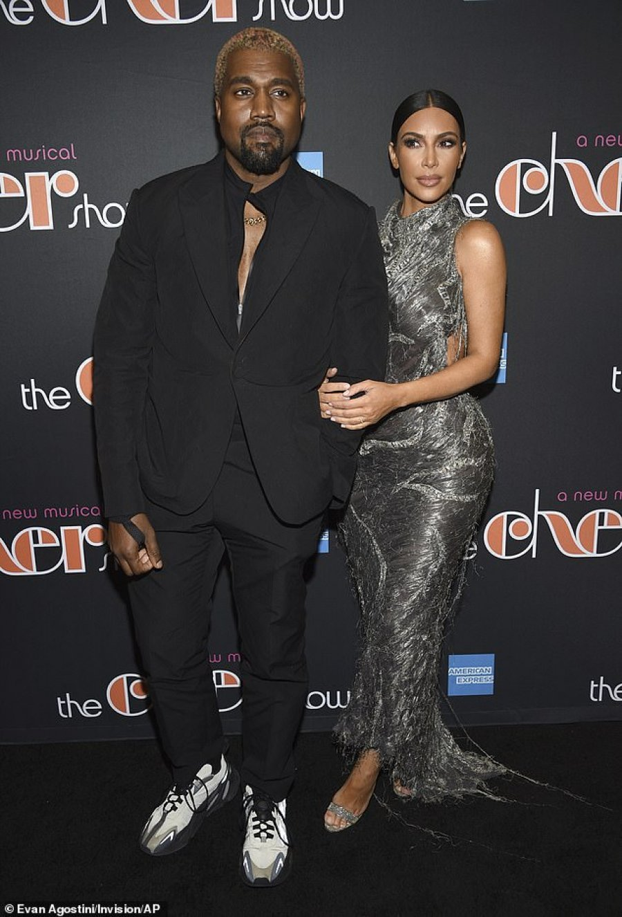 auto_6967624-6457041-Super_fans_On_Monday_night_Kim_Kardashian_and_Kanye_West_attende-a-49_15438934998861544025497
