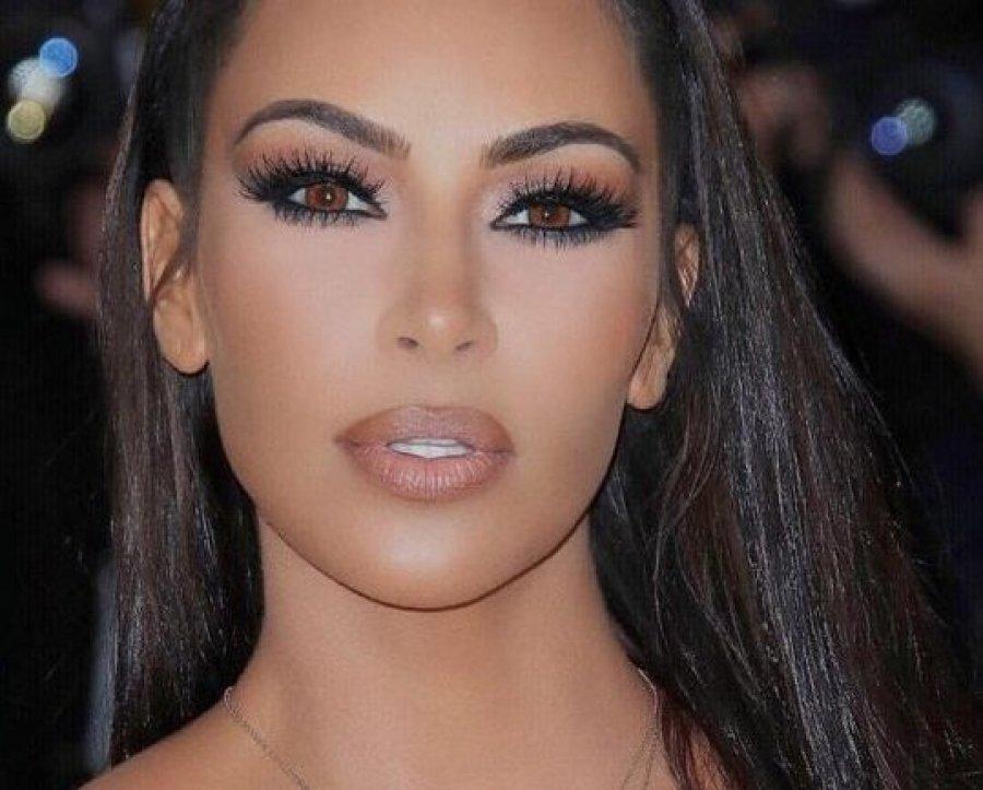 auto_Kim_Kardashian11544023772