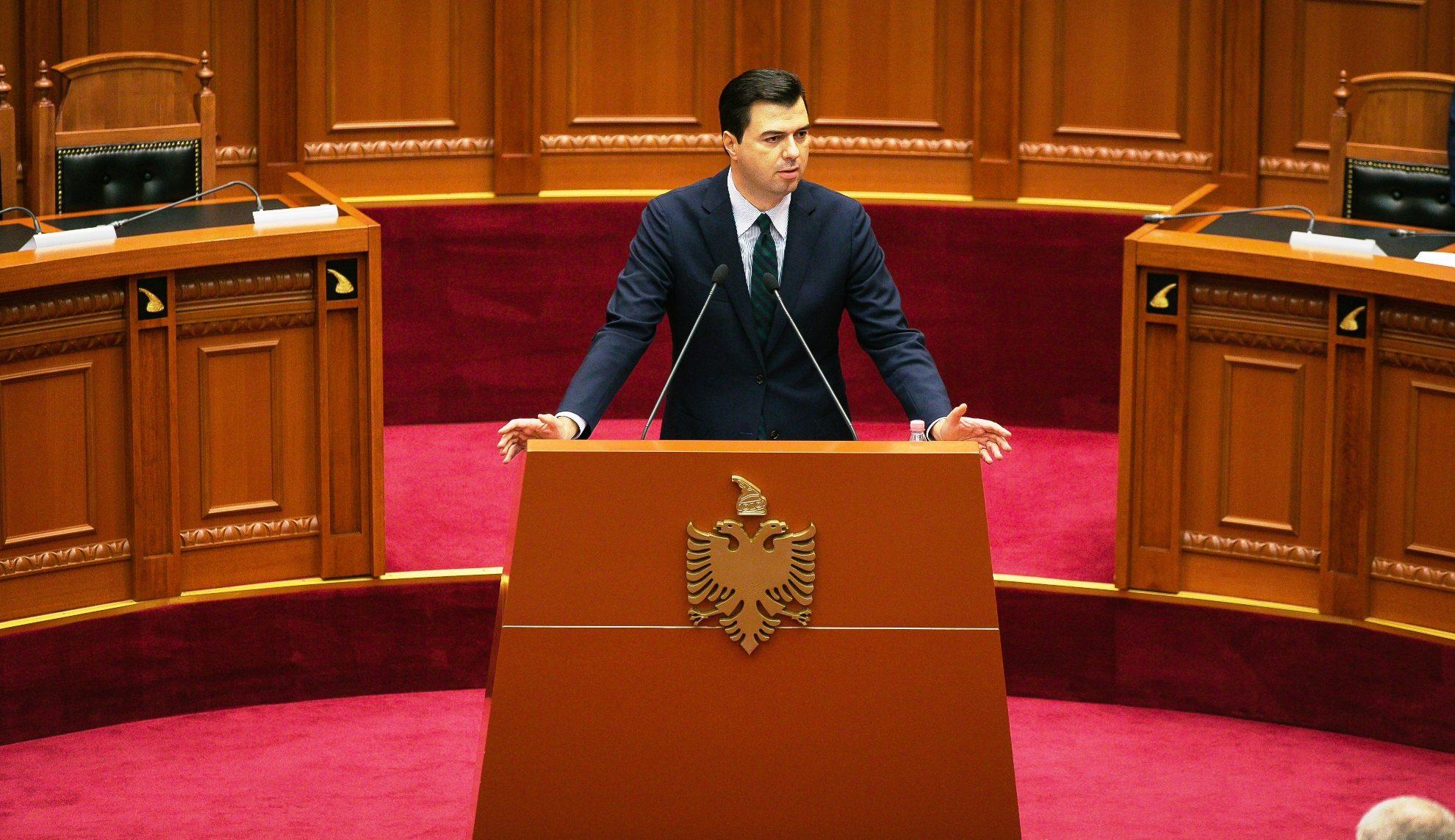 """""""Prijmë protestat popullore"""", Opozita largohet direkt pas fjalës së Bashës…"""
