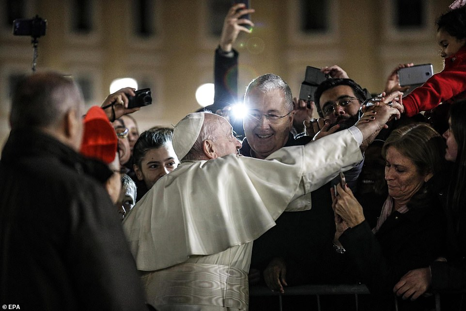 7994252-6541611-After_the_First_Vespers_and_Te_Deum_prayer_Pope_Francis_met_with-a-10_1546302682581