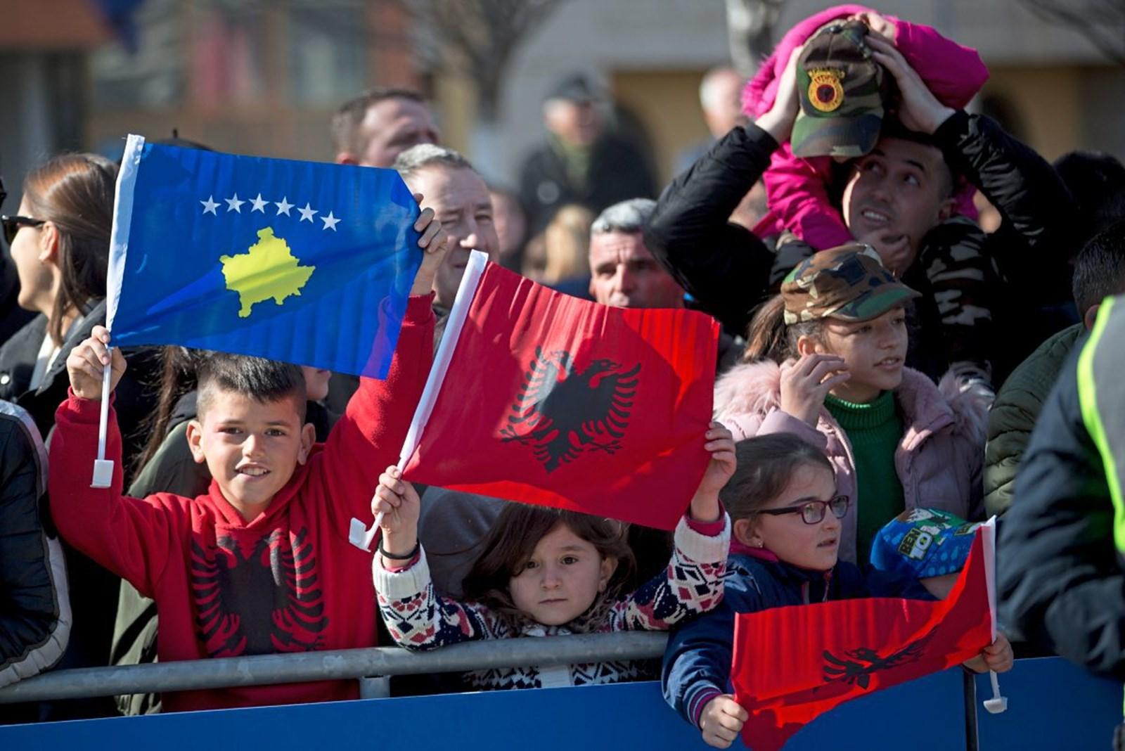 Gazetarja e njohur: Ideja e lindur në takimin Rama-Vuçiç i jep jetë Serbisë së Madhe