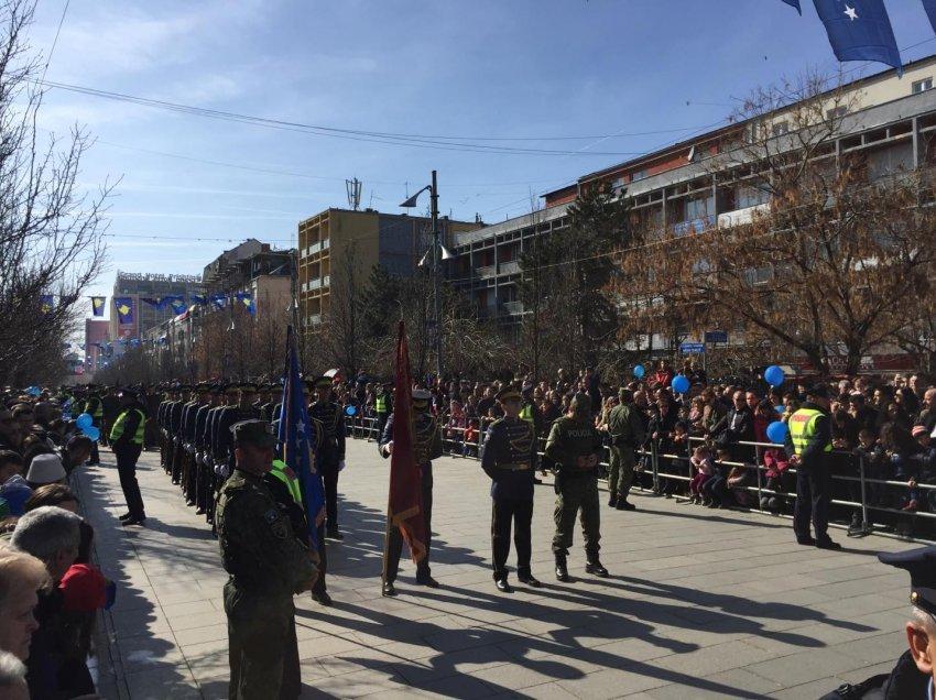 Kosova, 11 vjet pavarësi. FSK-ja parakalon për herë të parë si Ushtri (FOTO+VIDEO)