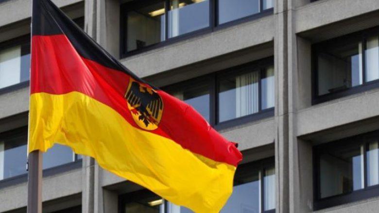 Deklarata e butë e ambasadës gjermane: Dorëzimi i mandateve, rrugë e gabuar