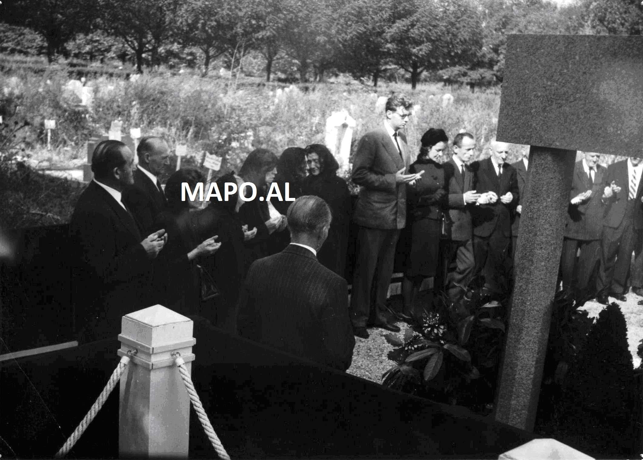 1961 Vdekja AZ 8