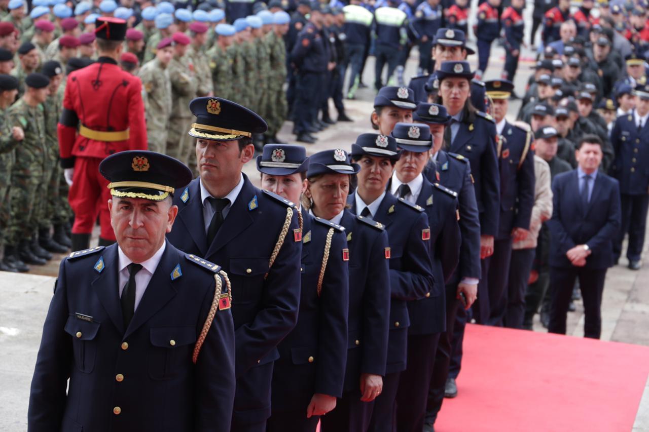 ushtarja13