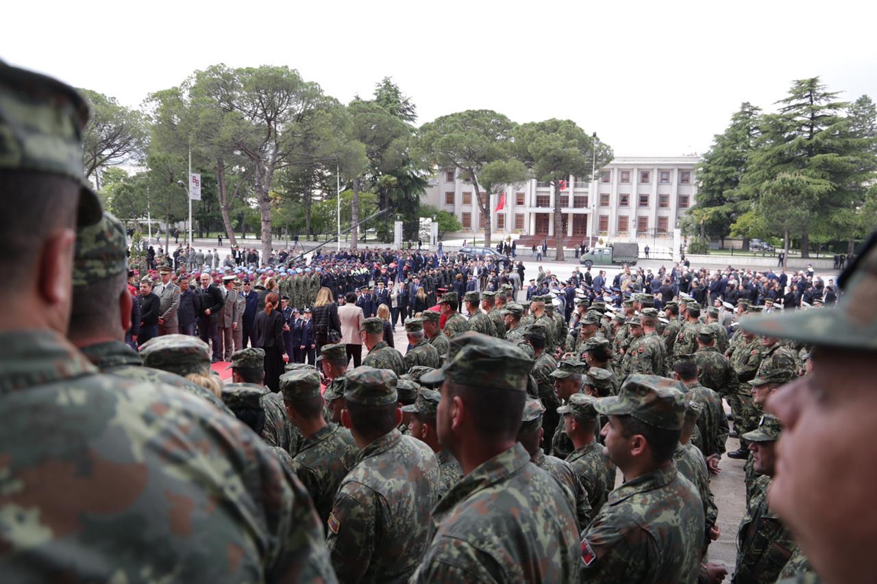 ushtarja15