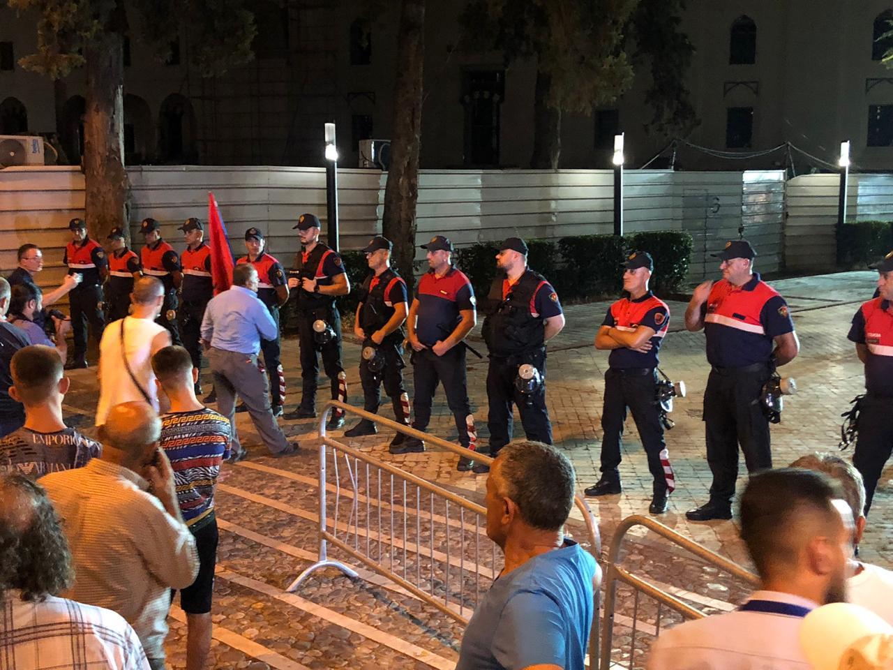 protesta e 8 korrikut2