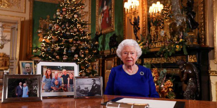 elizabeth-ii-e-feston-krishtlindjen-ne-windsor-per-te-paren-here-ne-me-shume-se-30-vjet