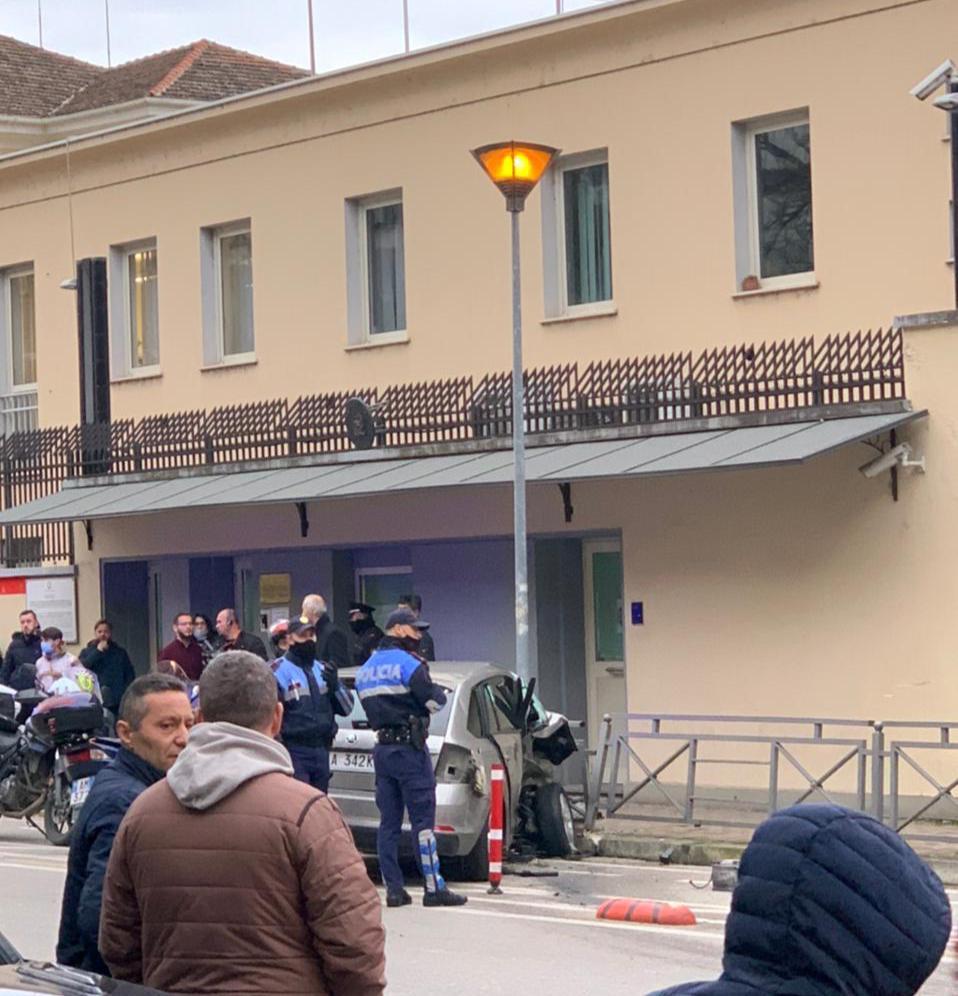 Aksidenti te ambasada italiane