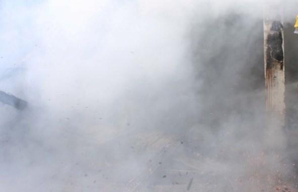 Zjarr në bodrumin e një pallati 12 katësh në Elbasan, evakuohen banorët