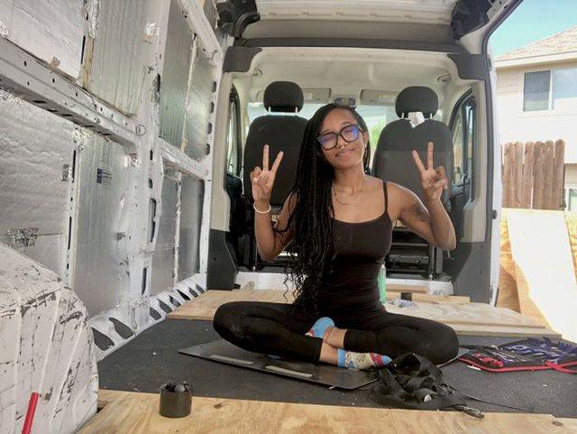 Gruaja ne furgon