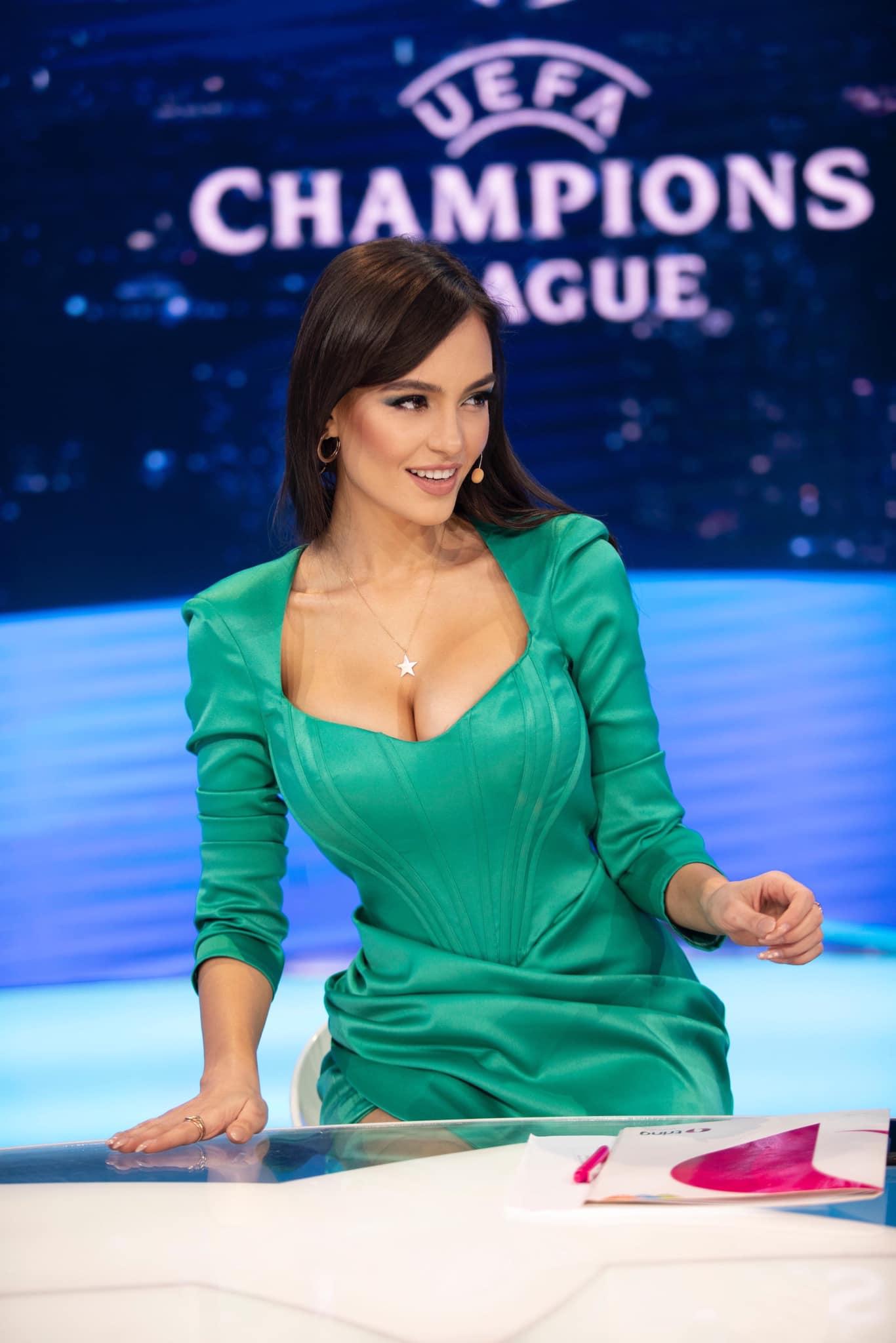Eva Murati8