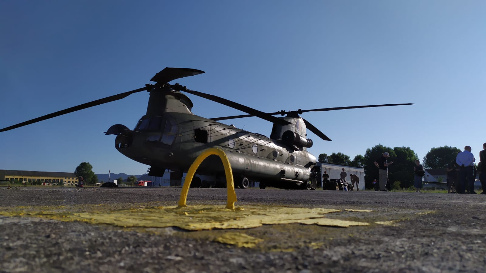 Helikopteret ne rinas1