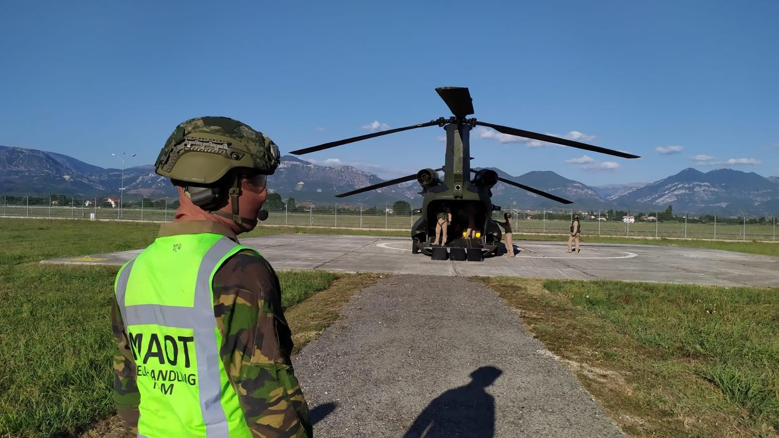 Helikopteret ne rinas25